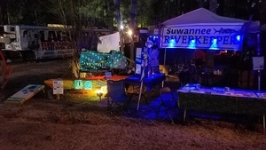 Shiny, Booth at night