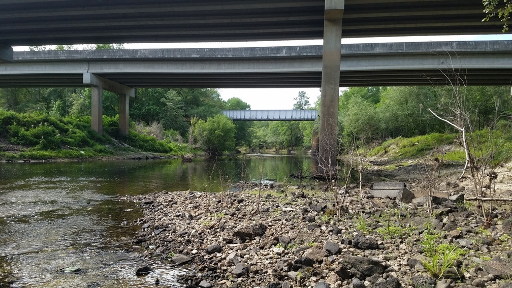 1008x567 Downstream to US 84 and RR bridges, in Sabal Trail, Brooks County, Withlacoochee River, by John S. Quarterman, for WWALS.net, 22 May 2017