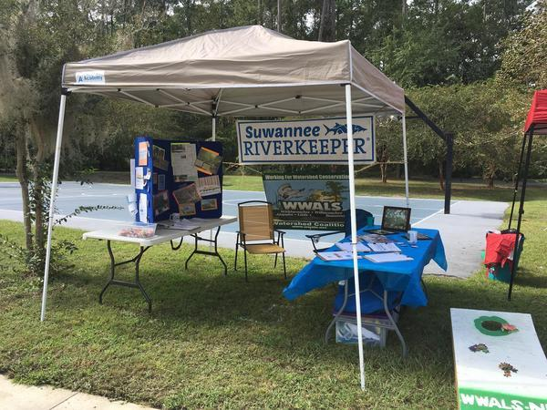 600x450 Set up and ready to go, 30.828694, -83.30094, Saunders Park, in Pictures: WWALS @ South Georgia Pride, by John S. Quarterman, for WWALS.net, 16 September 2017