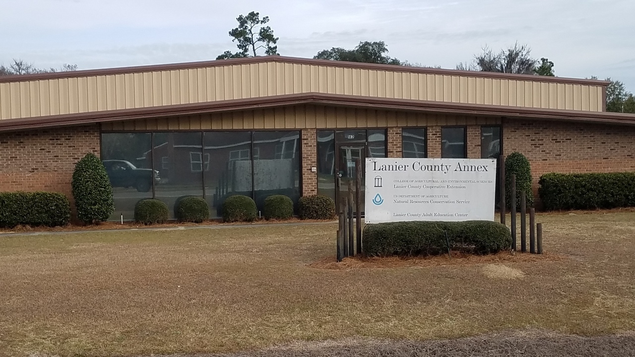 1280x720 Building, Signs, in Lanier County Commission, by John S. Quarterman, for WWALS.net, 28 January 2018