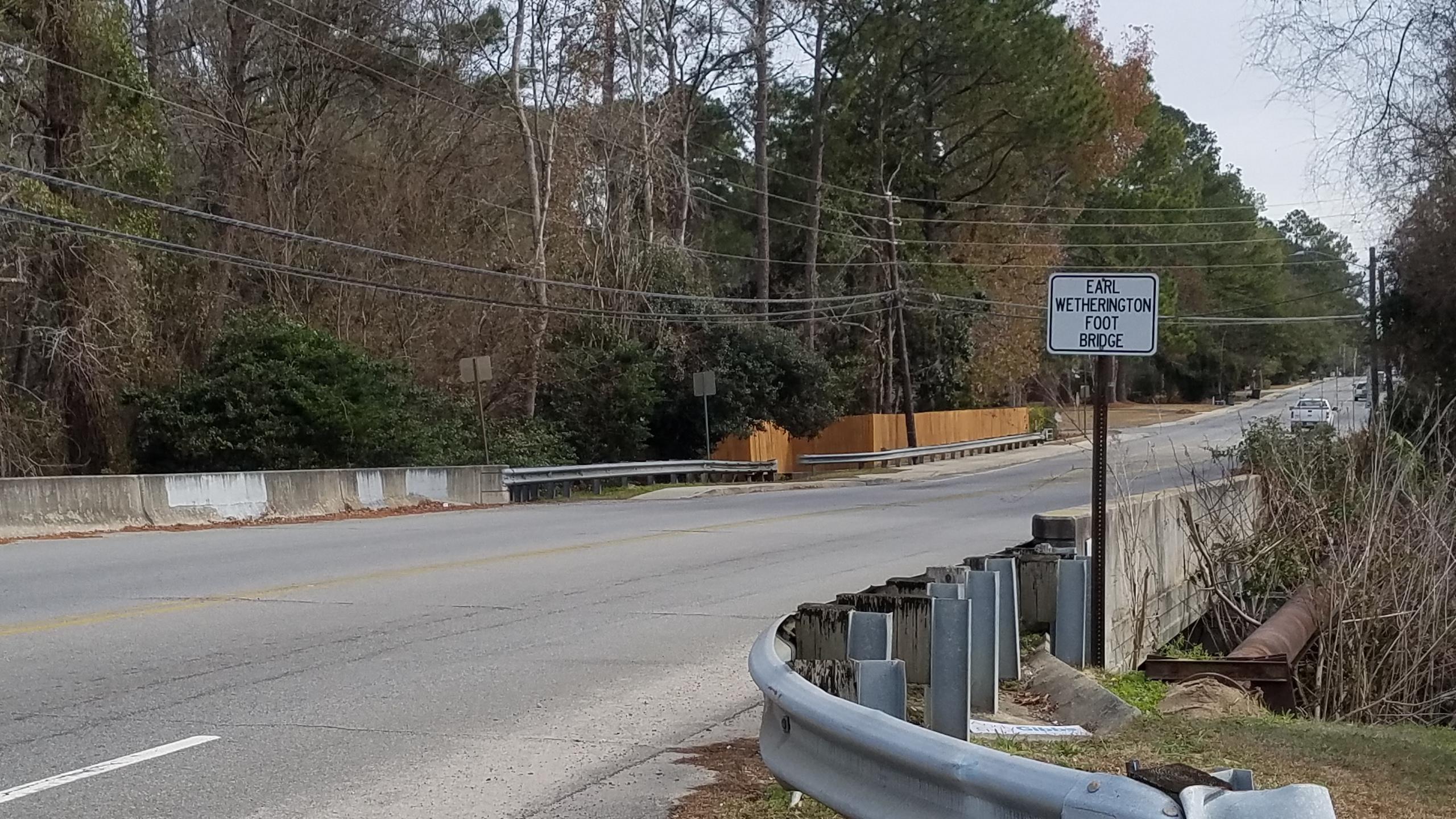 2560x1440 Bridge, Over Sugar Creek, in Earl Wetherington Foot Bridge, by John S. Quarterman, for WWALS.net, 8 January 2018