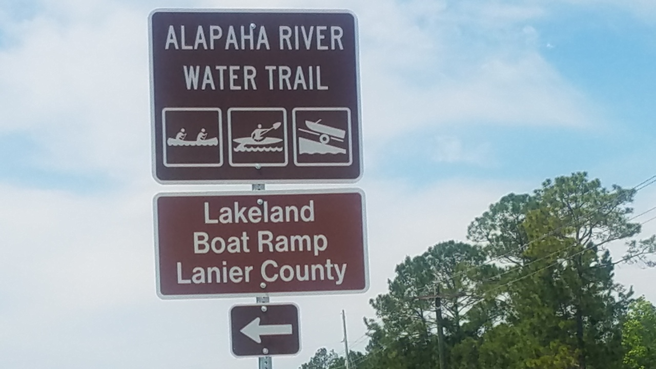 1280x720 Signs, Westbound, in Lakeland Boat Ramp road signs, by John S. Quarterman, for WWALS.net, 26 April 2018