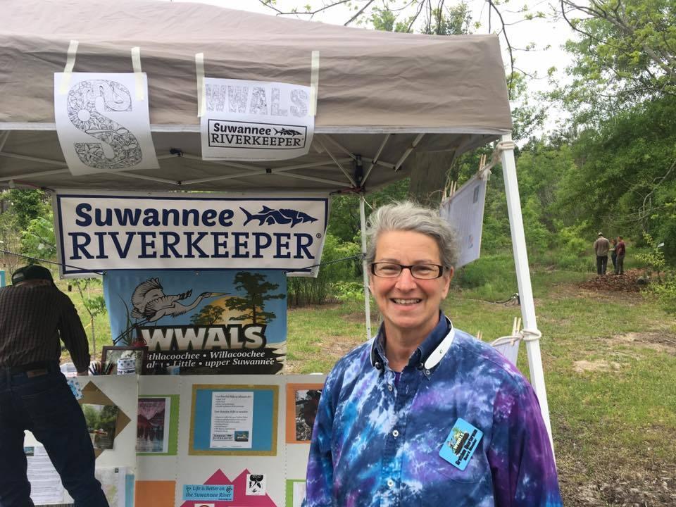 960x720 Gretchen Quarterman, Volunteers, in WWALS at A Day in the Woods, by Gretchen Quarterman, for WWALS.net, 21 April 2018