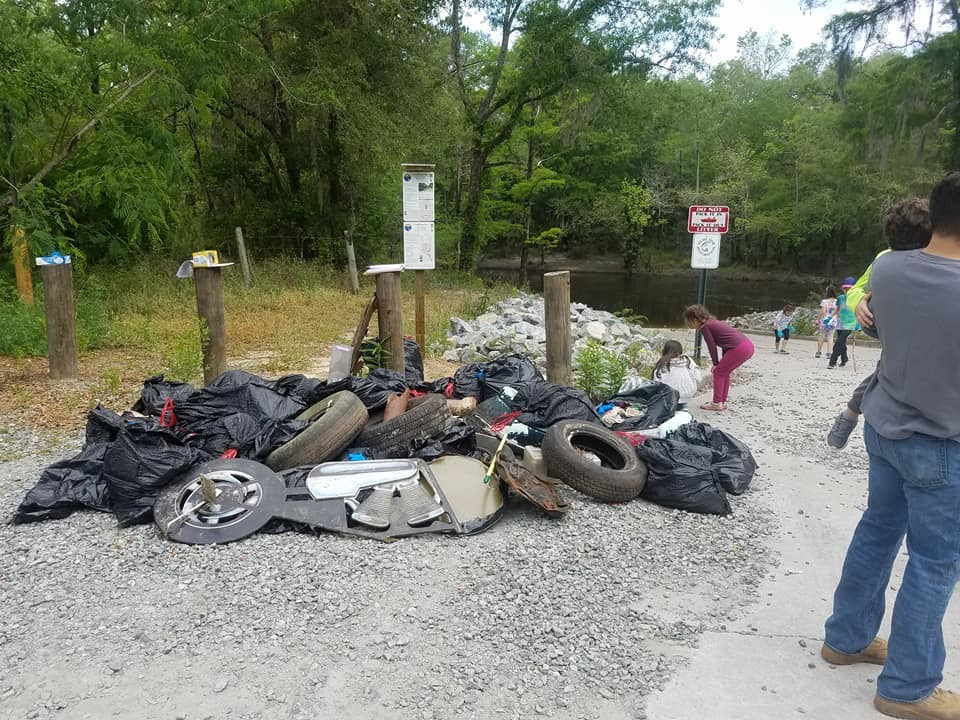 960x720 Children and trash, Sign, in Pictures, Troupville Cleanup, by Bobby McKenzie, for WWALS.net, 21 April 2018