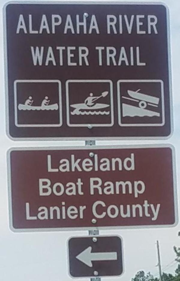 600x935 Just the signs, Westbound, in Lakeland Boat Ramp road signs, by John S. Quarterman, for WWALS.net, 26 April 2018