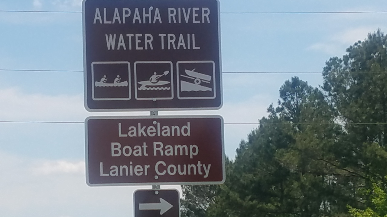 1280x720 Sign closeup, Eastbound, in Lakeland Boat Ramp road signs, by John S. Quarterman, for WWALS.net, 26 April 2018