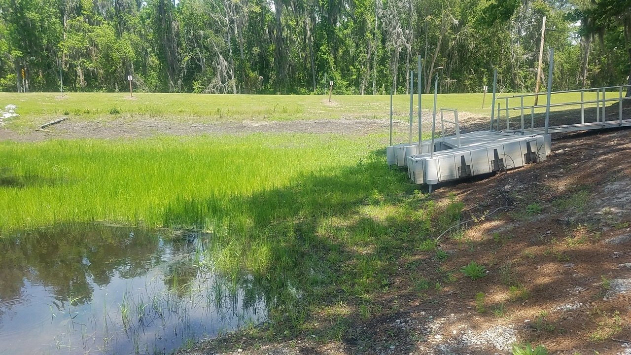 1280x720 Floating dock not floating, Boat Ramp, in Banks Lake Refilling, by John S. Quarterman, for WWALS.net, 26 April 2018
