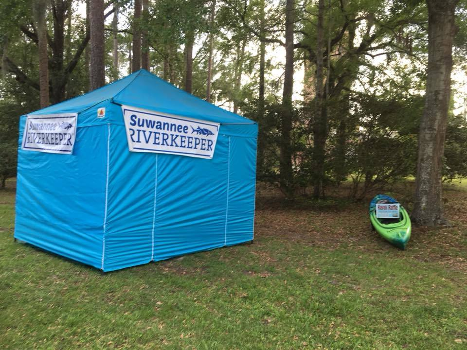 960x720 Closed, Booth, in WWALS at Florida Folklife Festival, by Gretchen Quarterman, for WWALS.net, 25 May 2018