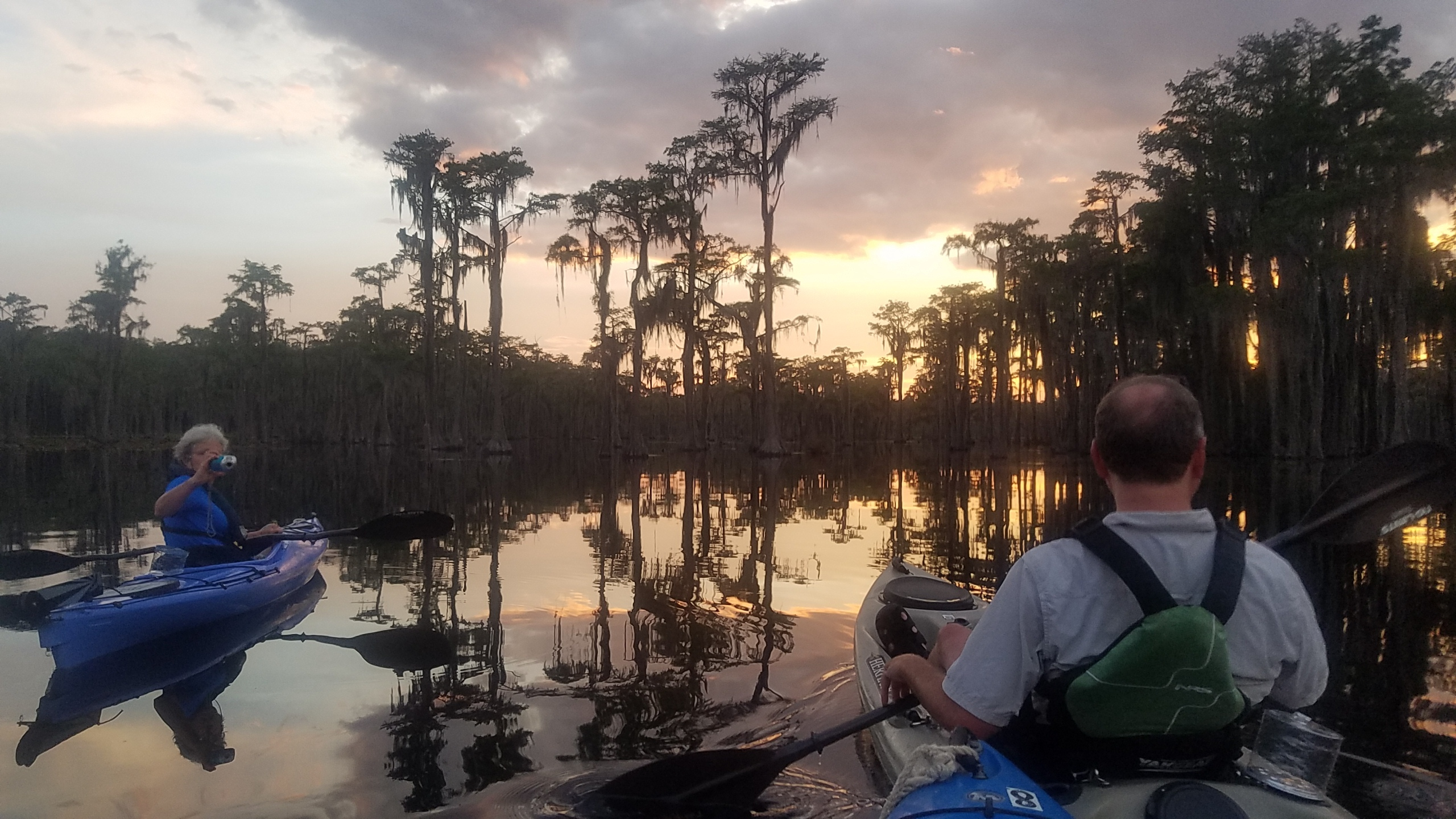 2560x1440 Shirley Kokidko, On the water, in Banks Lake Sunset Paddle, by John S. Quarterman, for WWALS.net, 27 July 2018
