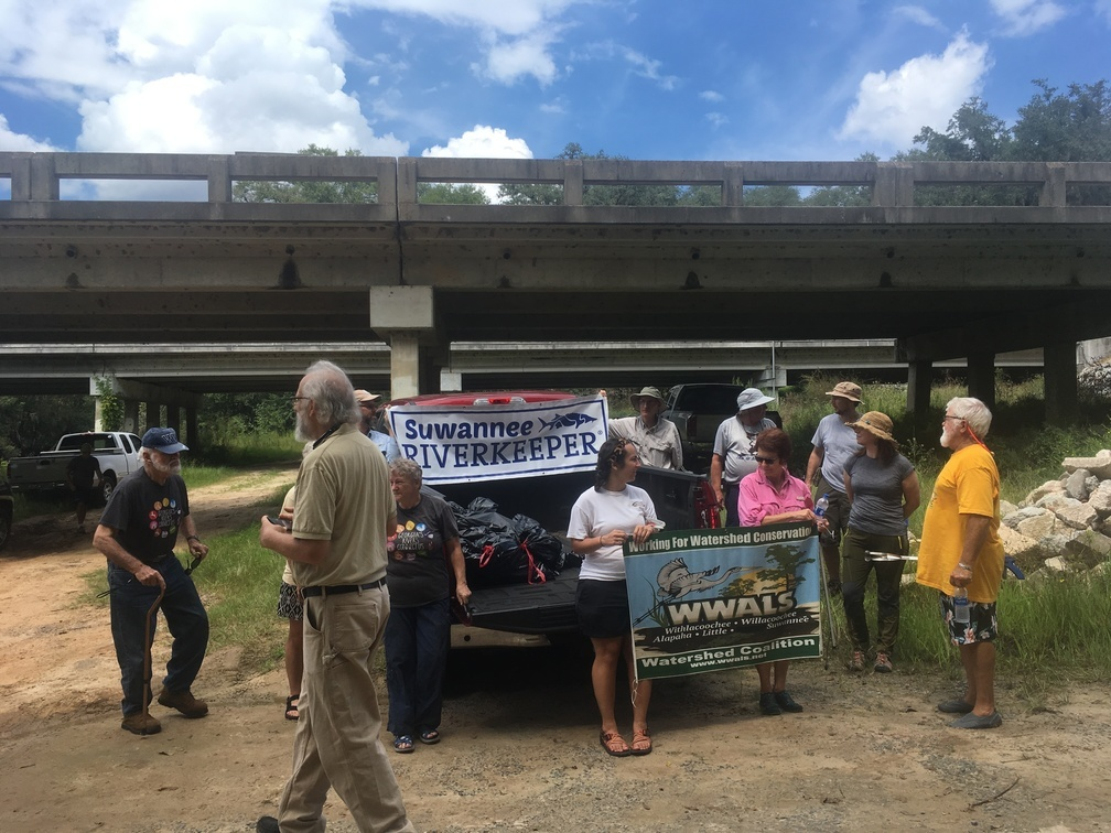 1008x756 Get in the picture, Dave, After, in WWALS Cleanup at Sheboggy Boat Ramp, US 82, Alapaha River, by Gretchen Quarterman, for WWALS.net, 9 September 2018