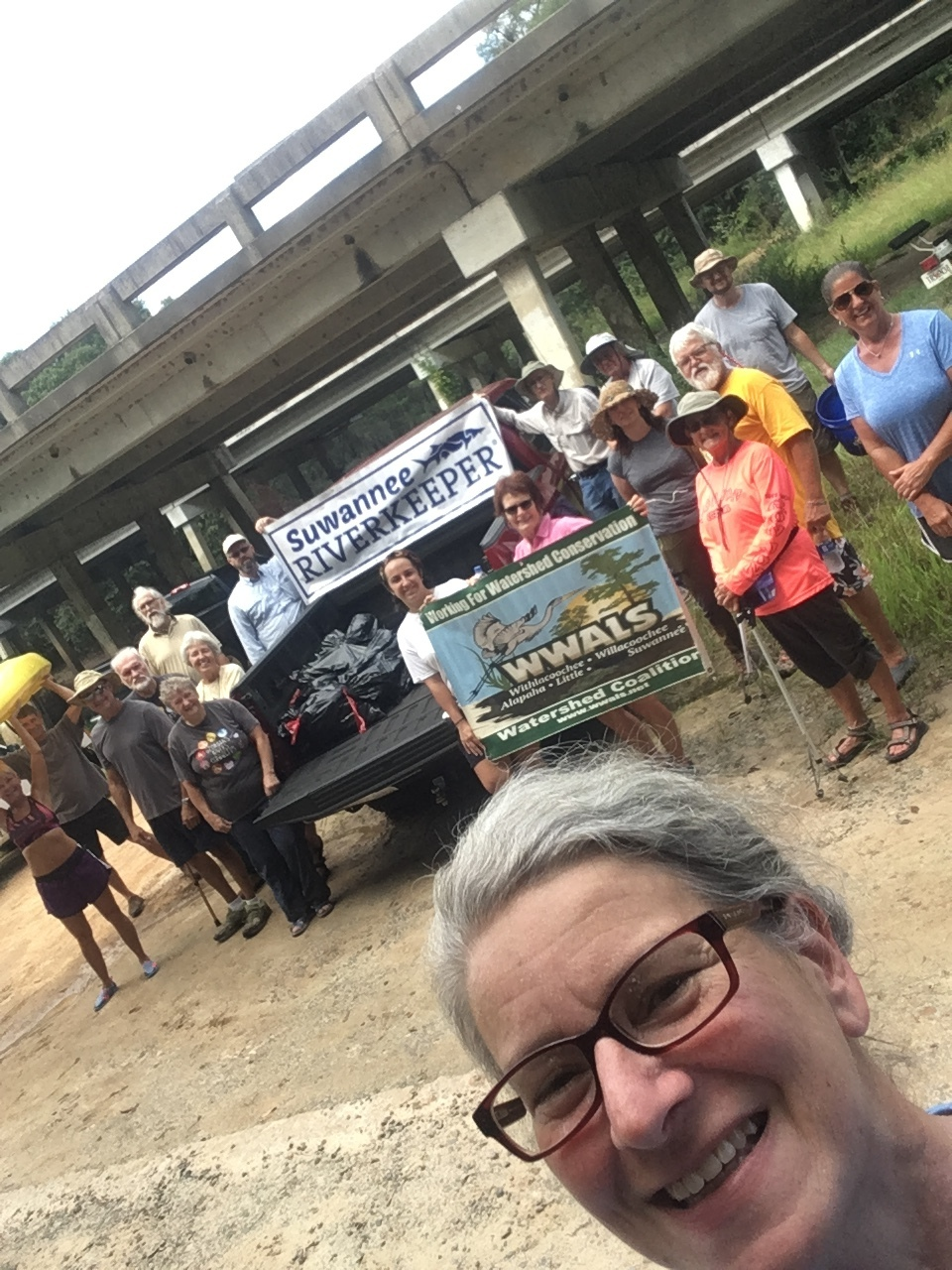 960x1280 Gretchen the photographer, Banner, in WWALS Cleanup at Sheboggy Boat Ramp, US 82, Alapaha River, by Gretchen Quarterman, for WWALS.net, 9 September 2018