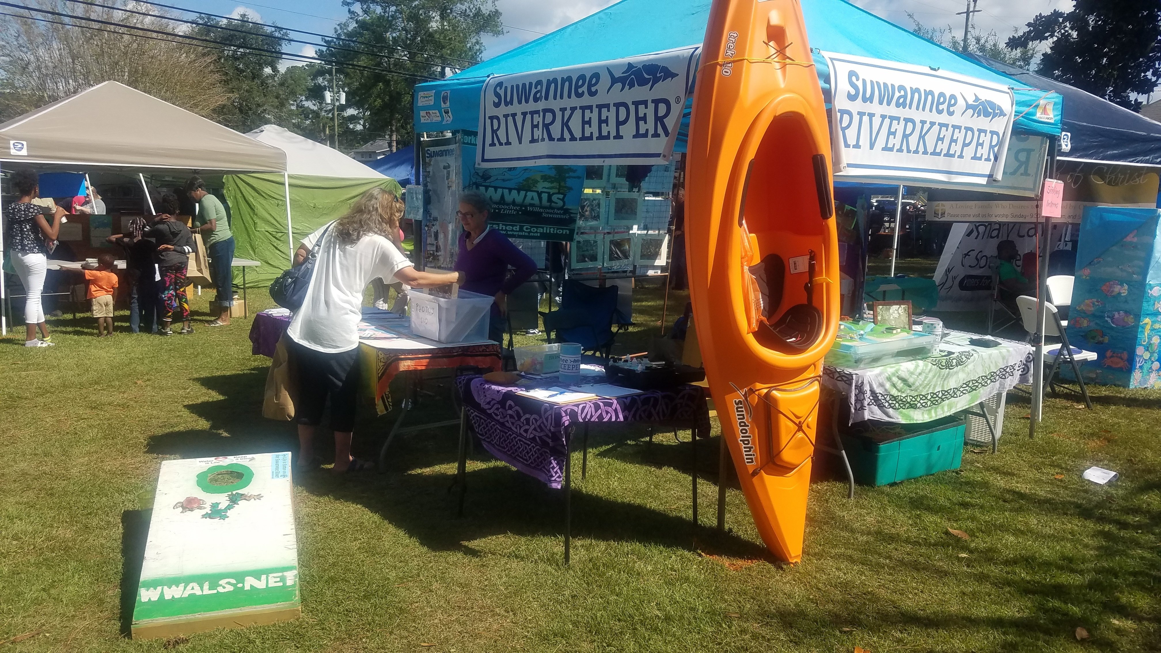 4032x2268 Busy all day, WWALS booth, in Pictures: Brooks County Skillet Festival, by John S. Quarterman, for WWALS.net, 20 October 2018
