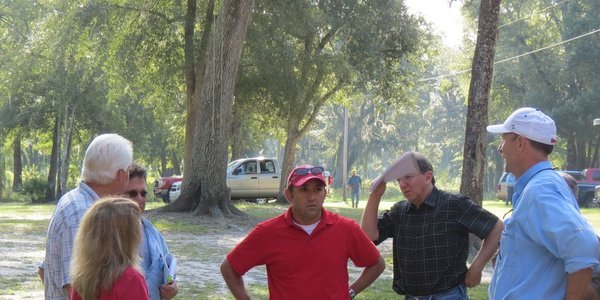 600x300 John Peconom (center) Talking with Deanna & Chris Mericle, David Brown, and FERC Geologist Tony (1 of 2), in FERC and Sabal Trail at the Withlacoochee River in Hamilton County, FL, by Chris Mericle, for WWALS.net, 16 September 2014