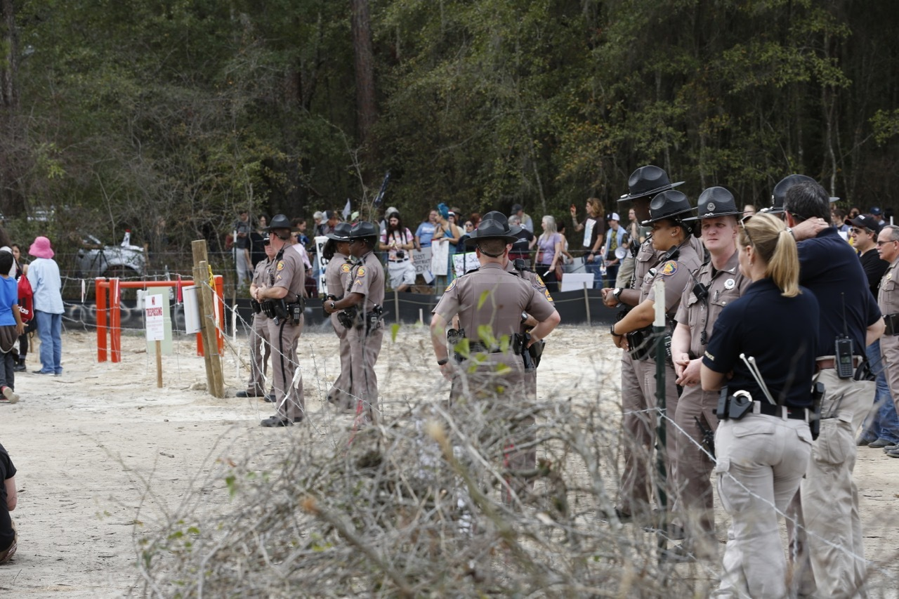 1280x853 Police blocking the public, in Revoke Sabal Trail Permits in Suwannee County, FL, by Beth Gammie, for WWALS.net, 14 January 2017