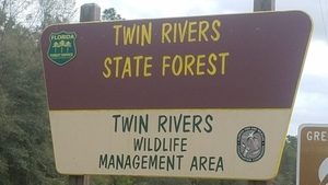 Twin Rivers Wildlife Management Area, Entrance