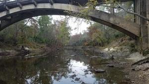Cannot see upstream bridges, 13:26:50,, Underneath 30.7896916, -83.4514700