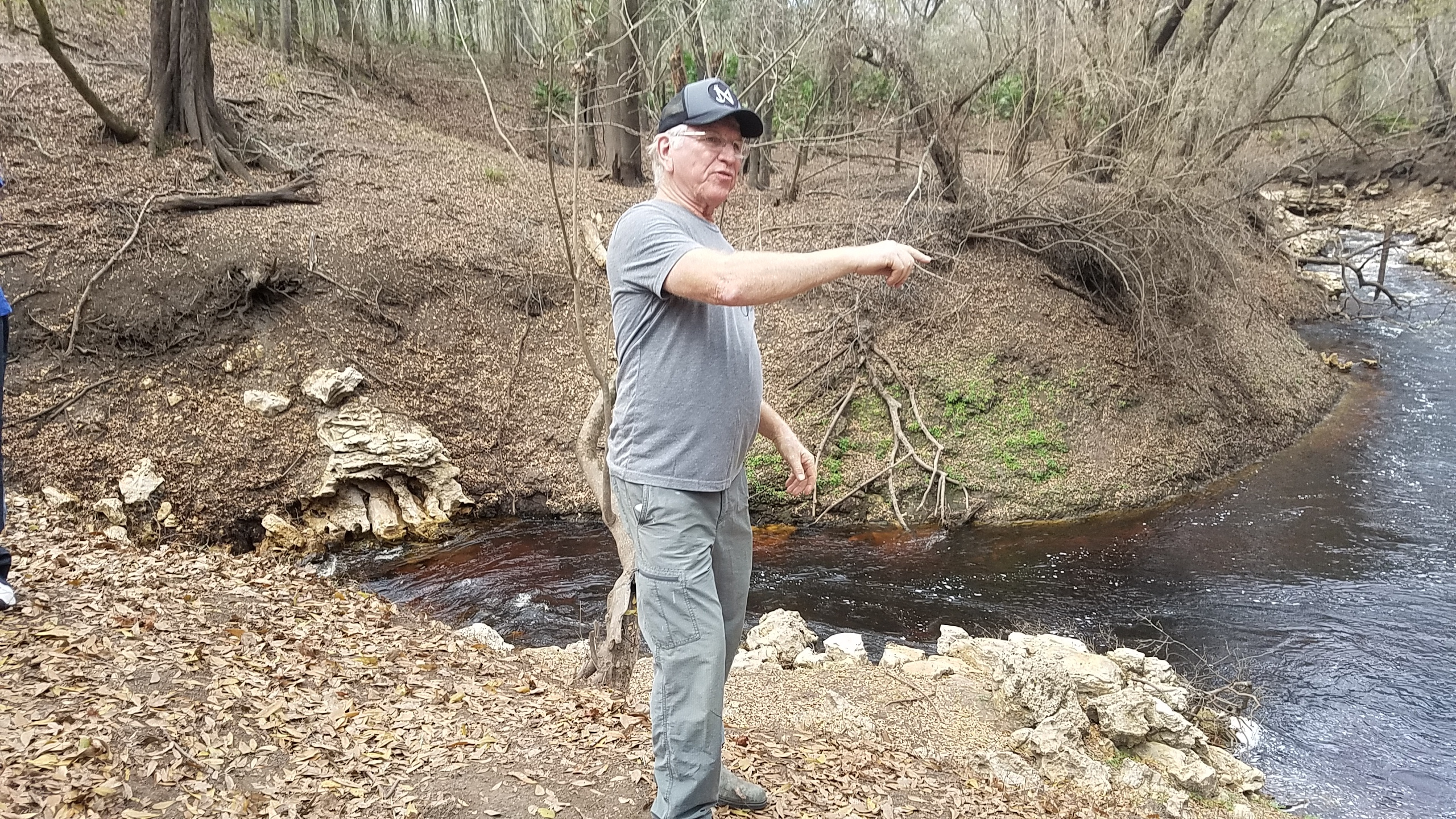 2560x1440 Dennis Price explains, Down to a sunless sea, in Hike to the Dead River Sink, by John S. Quarterman, for WWALS.net, 27 January 2018