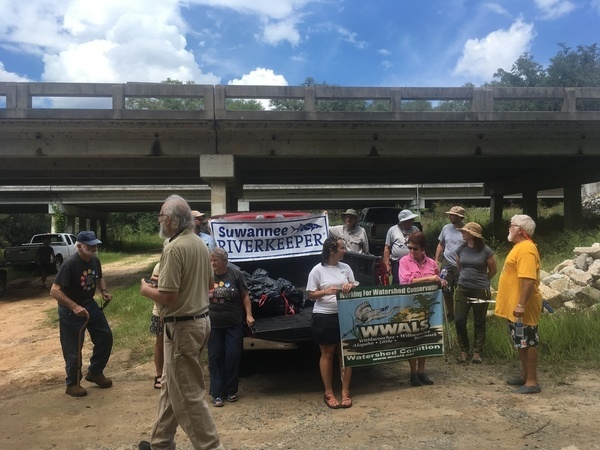 600x450 Get in the picture, Dave, After, in WWALS Cleanup at Sheboggy Boat Ramp, US 82, Alapaha River, by Gretchen Quarterman, for WWALS.net, 9 September 2018